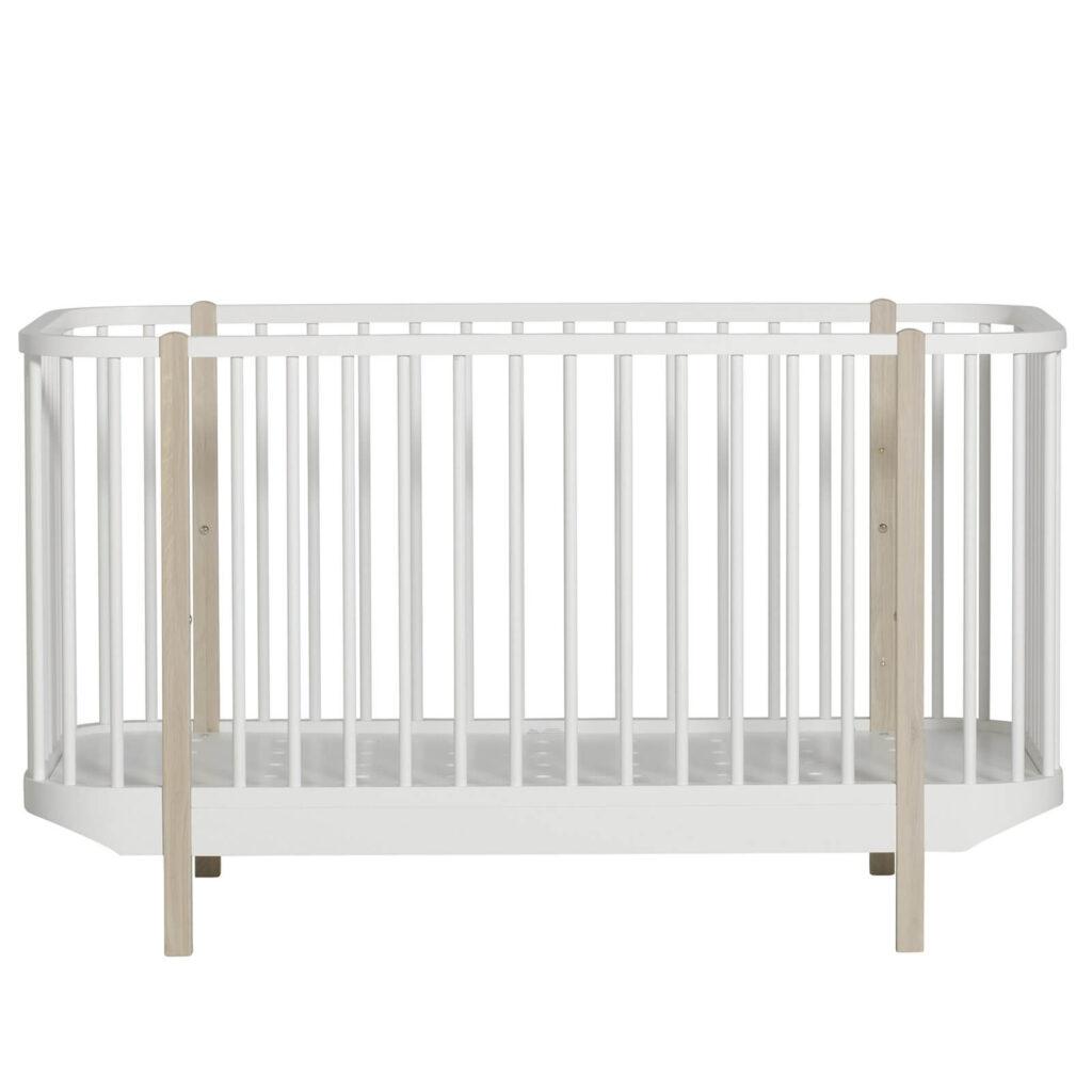 Oliver Furniture wood tremmeseng